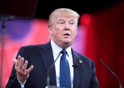 Donald Trump angriber amerikansk medie