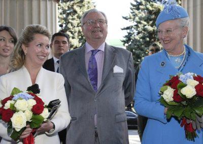 Danske medier ændrer deres dækning af prins Henrik
