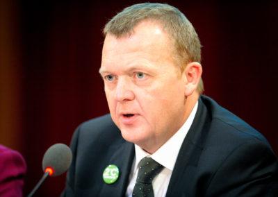 Regeringen vil skære i børnechecken for at finansiere skattelettelser