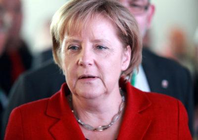 Angela Merkel kæmper for at undgå nyvalg i Tyskland