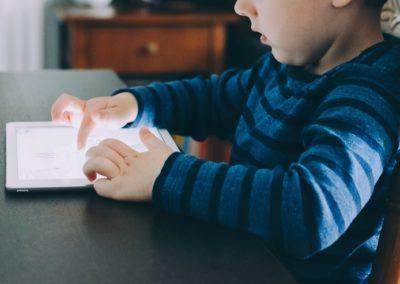 Nu fjerner Youtube vold og sex fra børne-app