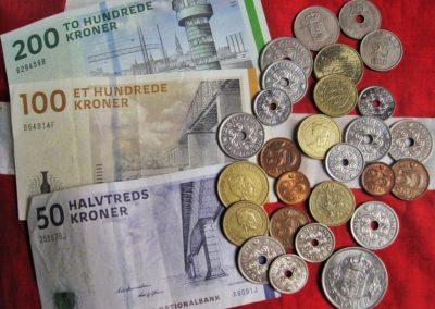 500 sider og 700 mia. kr.: Finansloven er Danmarks budgetkonto