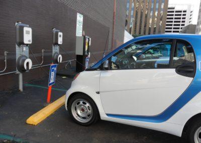 Salget af elbiler hæmmet af bilforhandlere